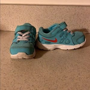 Nike Shoes - Baby Nike Sneakers Size 6